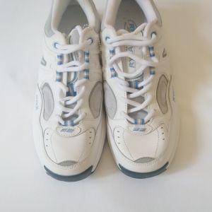 παπούτσια αθλητικά νούμερο 42 EUR 8 UK 10 USA