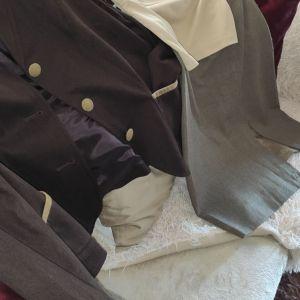 Σακάκι με μπουστακι και φούστα συνδυασμένο.