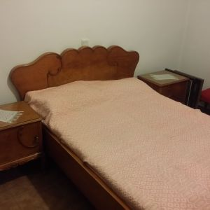 Σετ κρεβάτι με κομοδίνα και τουαλέτα