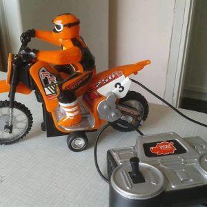 Παλιο παιχνιδυ αγωνιστικη μοτοσυκλετα με καλοδιο τυλεκατεφθηνομενο 22 χ 17 εκατοστα