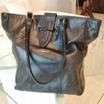 Δερμάτινη Τσάντα ώμου PINKO μαύρη αυθεντική