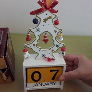 Ξύλινα διακοσμητικά Χριστουγενιατικα 4 τμχ άριστη κατάσταση