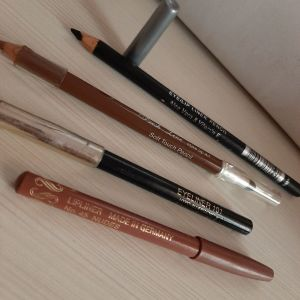 eye-liner και μολύβι για τα χείλη