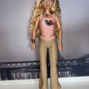 Barbie My Scene Ride in the park