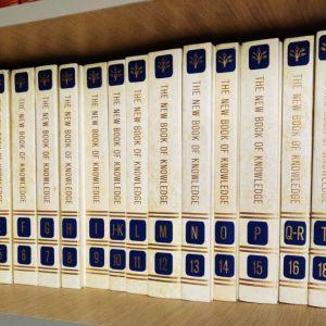 Αγγλική Εγκυκλοπαίδεια The Book of Knowledge, έκδοση Grolier 1974, 20 τόμοι πολυτελείας Διακόσμηση Βιβλιοθήκη Ντεκόρ Φροντιστήριο Αγγλικά Lower Proficiency φιλολογία reading