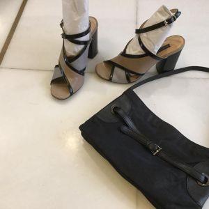 δερμάτινα πέδιλα JANET & JANET και αυθεντική τσάντα FURLA