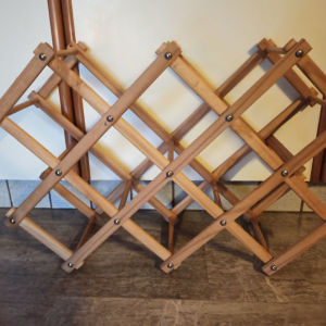 ξύλινη κάβα