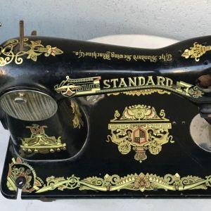 Παλιά ραπτομηχανή