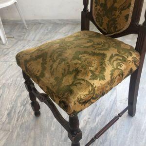 Καρέκλα τραπεζιου 10€