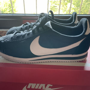 Nike Cortez γυναικείο