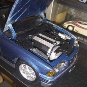 BMW E36 325 CABRIO 1/18 ΜΕΤΑΛΛΙΚΗ ΜΙΝΙΑΤΟΥΡΑ .ΑΝΟΙΓΟΥΝ ΤΑ ΠΑΝΤΑ