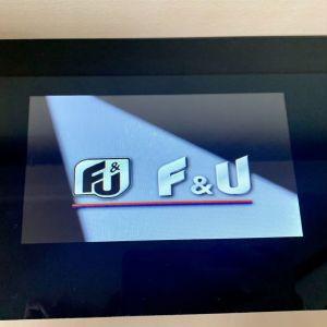 Ψηφιακή κορνίζα F&U