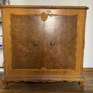 ντουλάπι ξύλινο