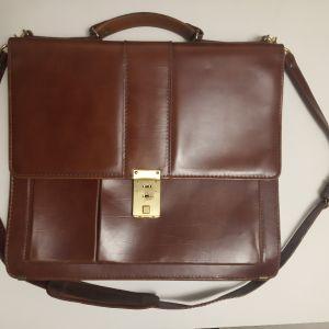 δερμάτινη τσάντα τυπου χαρτοφύλακα