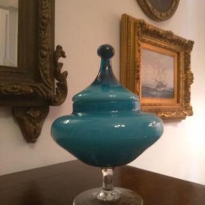 Συλλεκτική Οπαλινα Σοκολατιερα σε μπλε ρουά χρώμα! Ύψος:25εκ Διάμετρος:17εκ Άριστη Κατασταση!