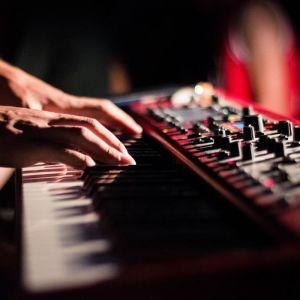 Μαθήματα Αρμονίου - Δάσκαλος Μουσικής