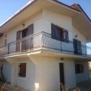 Μονοκατοικία 200μ²  σε 3.500μ² οικόπεδο
