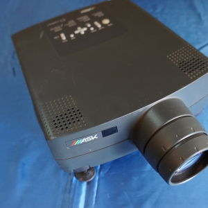 Retro LCD projector Ask C1 compact (1999)