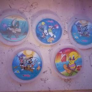 Πέντε συλλεκτικές τάπες-μαγνητακια looney tunes της Nutella 1995-1998