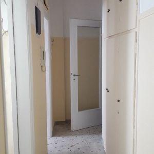 αναλαμβάνω οικοδομικές εργασίες γκρέμισμα δαπέδων και τοίχους, σπατουλαρισμα μερεμέτια και βάψιμο ΝΙΚΟΣ,Αθήνα
