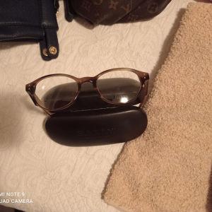 σκέλετος γυαλιών γνωστής μάρκας αχρησιμοποίητος πωλειται