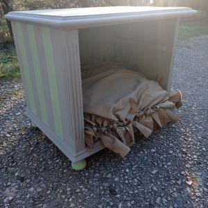 Σπιτάκι / Φωλιά για σκύλο ή γάτα εσωτερικού χώρου.