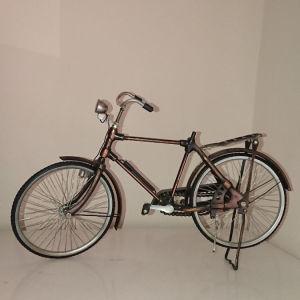 Αντίκα διακοσμητικό ποδήλατο.