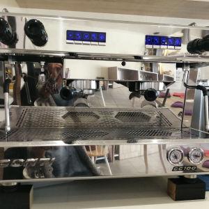 Επαγγελματική μηχανή espresso