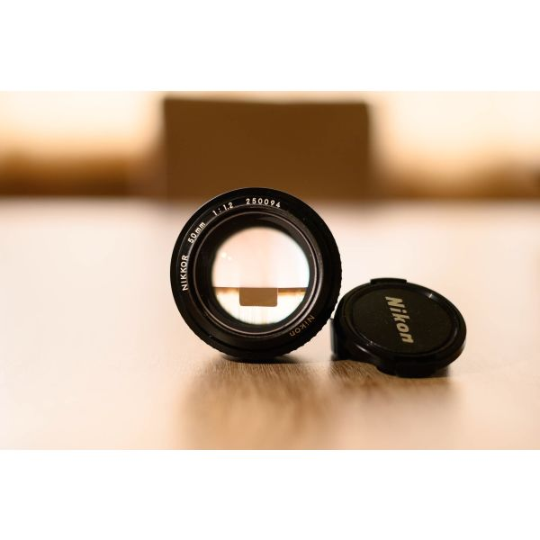 fakos Nikon, Nikkor 50 mm f/1. 2
