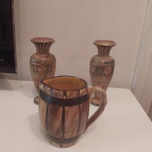 Δύο βάζα ξύλινα & Κούπα από πορσελάνη