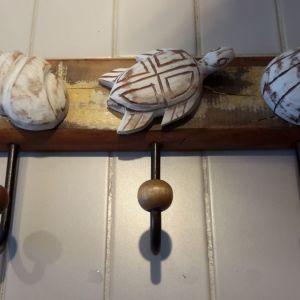 Κρεμάστρα ξύλινη