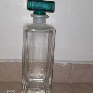 Μπουκάλι κρυστάλλινο με πράσινο πώμα