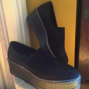 Παπούτσια με ψηλό πάτο νούμερο 40