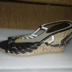 λουστρίνια 36 παπούτσια γυναικεία