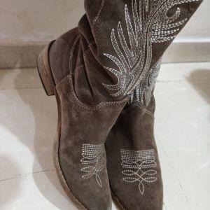 δερμάτινες μπότες!!