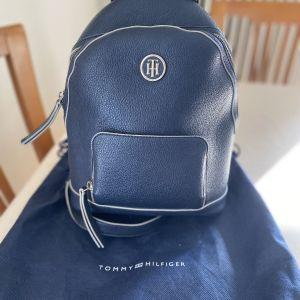 Tommy Hilfiger Backpack αυθεντικό & δωρο πορτοφολι Tommy Hilfiger
