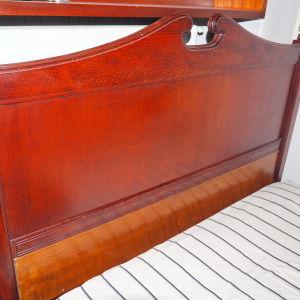 Κρεβάτι κλασσικό, μασίφ ξύλο
