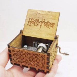 Κουτί ΜΟΥΣΙΚΟ ΚΟΥΤΙ Χάρρυ Πόττερ ΚΟΜΨΟΤΗΤΑ κατασκευασμένο από ξύλο ΓΙΑ ΤΑ ΠΑΙΔΙΑ προς πώληση