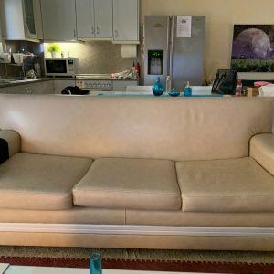 3θέσιος καναπές δερματίνη