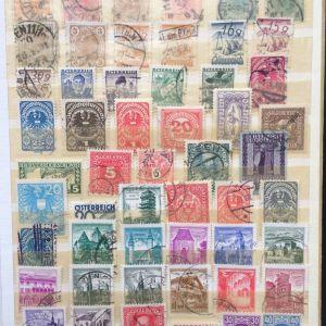 Μικρη συλλογη Αυστριας διαφορετικων γραμματοσημων.
