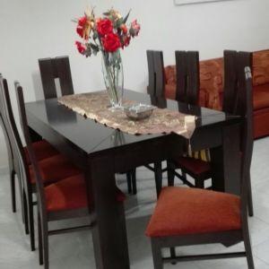 Τραπεζαρία  με 8 καρέκλες