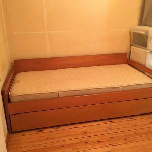 ΘΕΣΣΑΛΟΝΙΚΗ - Κρεβάτι με συρόμενο δεύτερο στρώμα. Στρώματα περιλαμβάνονται.