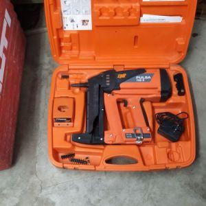 SPIT PULSA 700 E Καρφωτικό αερίου