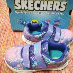 Υπέροχα παιδικά αθλητικά Skechers No 26-ΜΕΙΩΣΗ ΤΙΜΗΣ