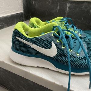 Αθλητικά παπούτσια Nike, νούμερο 43