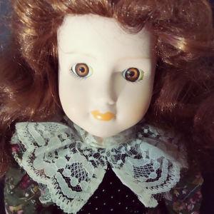 """Πορσελάνινη κούκλα """"Αιμιλία"""""""