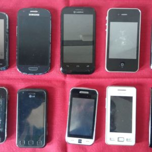 ΔΕΚΑ (10) SMART PHONES  για ΑΝΤΑΛΑΚΤΙΚΑ. ΟΛΑ ΜΑΖΙ - ΠΑΚΕΤΟ.