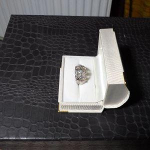 ασημένιο δαχτυλίδι με πέτρες