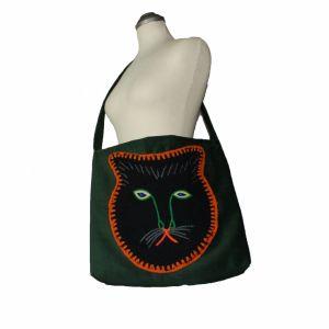 Χειροποίητη κοτλέ τσάντα με κέντημα 1970s