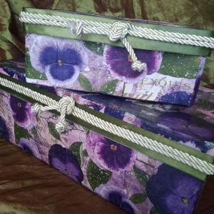 Δύο κουτιά Με Πανσέδες